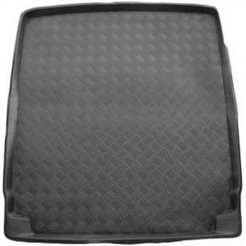 Volkswagen Passat B7 (2010 - 2014) boot protector