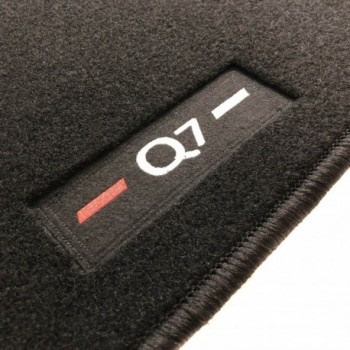 Audi Q7 4M 7 seats (2015 - current) tailored logo car mats