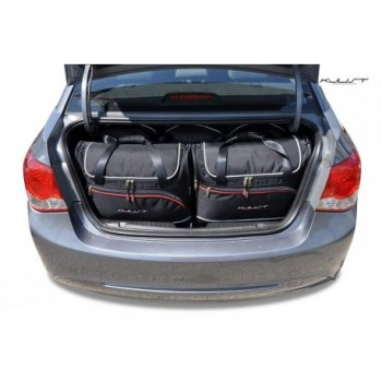 Tailored suitcase kit for Chevrolet Cruze Limousine