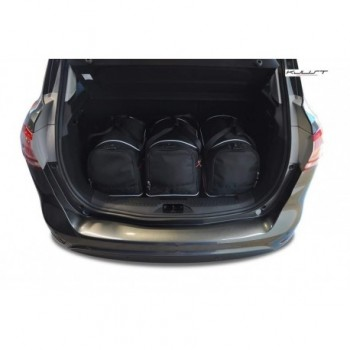 Tailored suitcase kit for Ford B-MAX