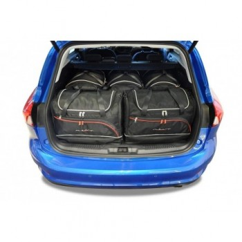 Tailored suitcase kit for Ford Focus MK4 touring (2018 - Current)