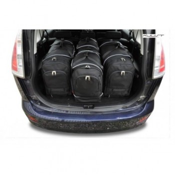 Tailored suitcase kit for Mazda 5
