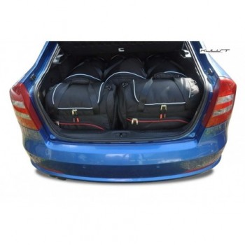 Tailored suitcase kit for Skoda Octavia Hatchback (2004 - 2008)