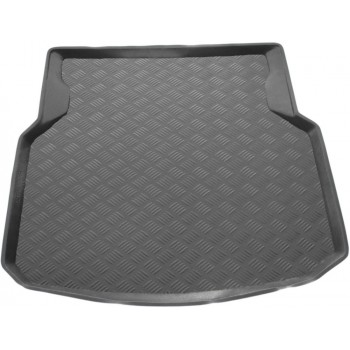 Mercedes C-Class W204 Sedan (2007 - 2014) boot protector
