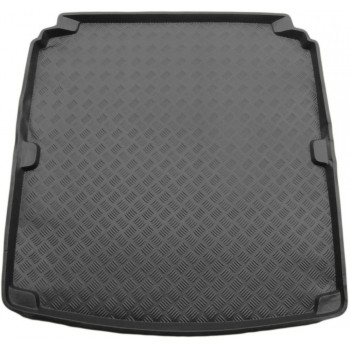 Peugeot 607 boot protector